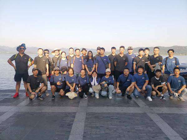 ¡Menos de 40 grados, camine 12 km, vea el fuerte equipo en el extranjero de IECHO!